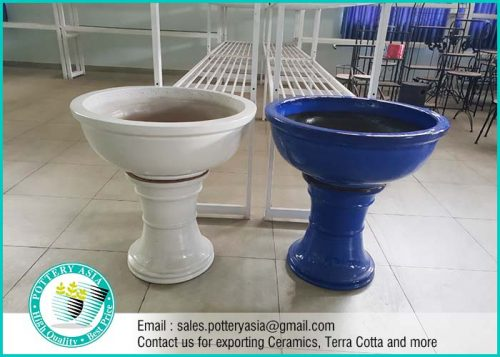 Garden Planter Pots And Stand. Planter and Stand