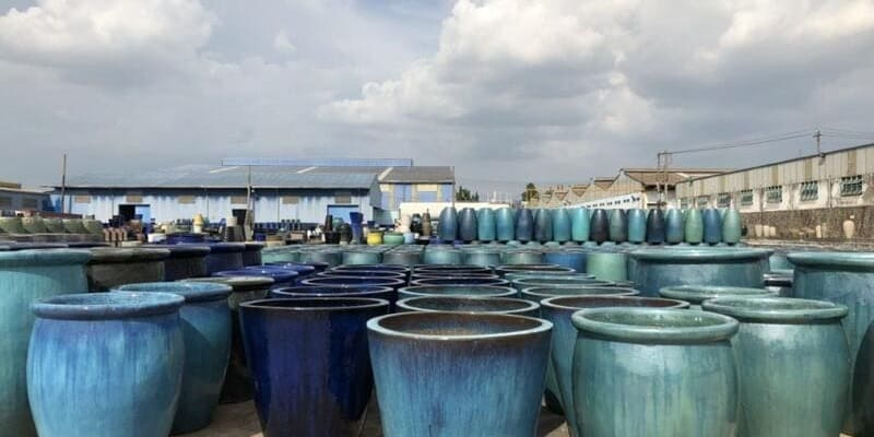 pottery manufacturer