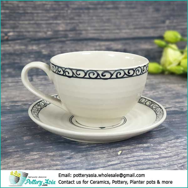 Công ty sản xuất ly cốc sứ giá sỉ , xuất khẩu bộ ly tách sứ . Cappuccino cup ivory white glaze with decorative rim . Công ty sản xuất ly cốc sứ giá sỉ , xuất khẩu bộ ly tách sứ